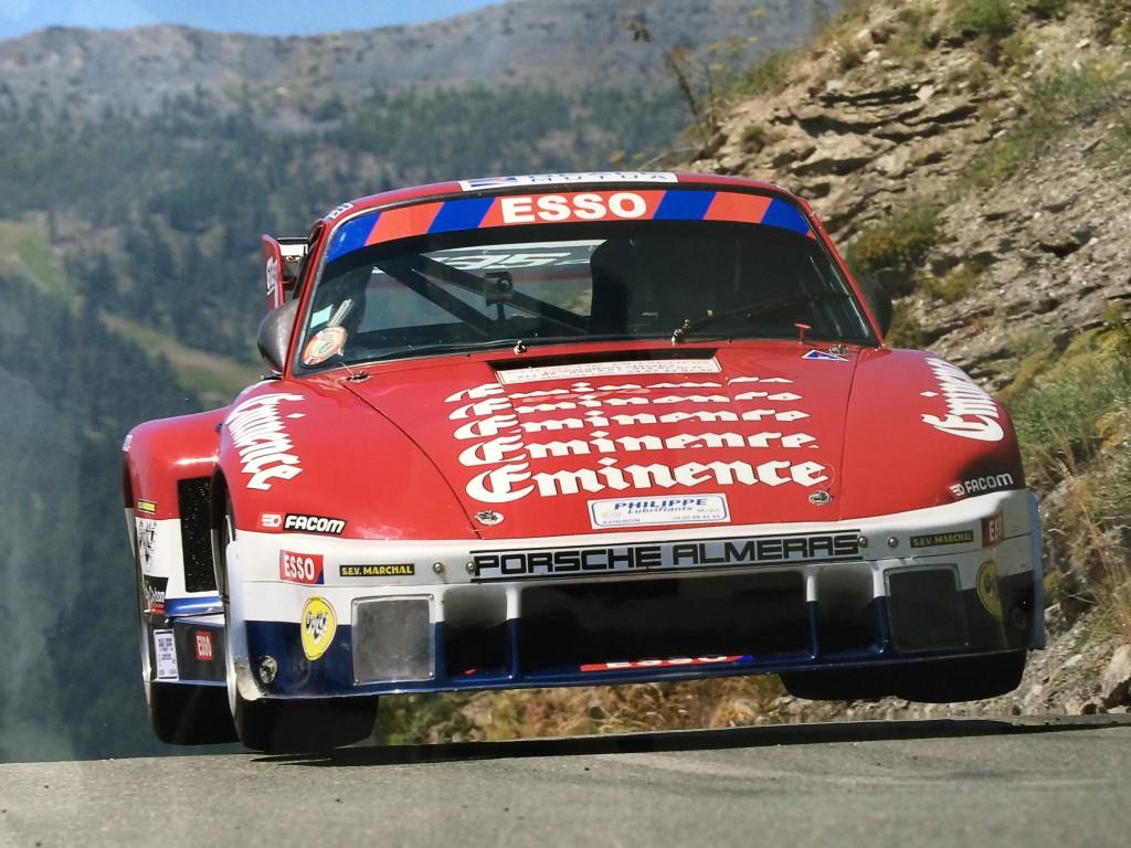 Saut Porsche 935